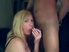 Amateur blonde shemale sucking on dick