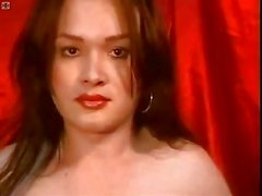 Cam tranny cums on her own face