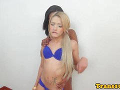 Ebony tranny assfucks blonde transsexual