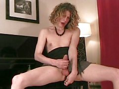 Tranny gets off on her new anal toy