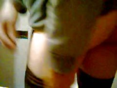 Crossdresser loves to jerk off for the cam
