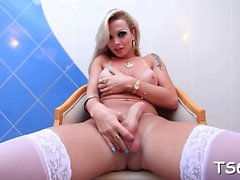 Super tranny playgirl relaxes and teases her insatiable dong