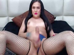 Amazing Hot Shemale Show Off