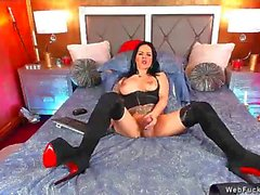 huge dick shemale on webcam