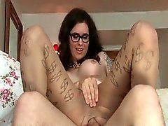 TS Riley Quinn enjoys pantyhose fucking