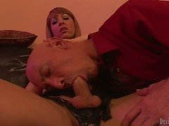 Transsexual cheerleader Danika Dreamz fucking guy s mouth