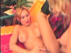 Transsexual Queen Fucked By Strapon