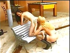 Sweet tranny with girlie outdoor fuck