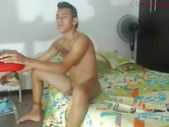 Cute Colombian guy with jiggly butt missionary fucking gf